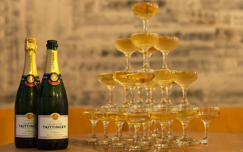 如何搭建完美浪漫的香槟塔